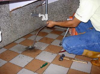 高雄抽水肥、高雄通馬桶、高雄池清理、高雄通水管、高雄水電工師父(大瑞)簡介圖1