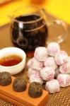 普洱茶~宮廷古樹(普洱迷你小沱茶)熟茶~2010年